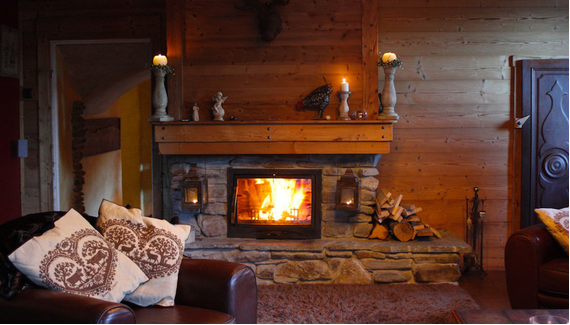 Rustic Retreat ! Adventure 52 magazine