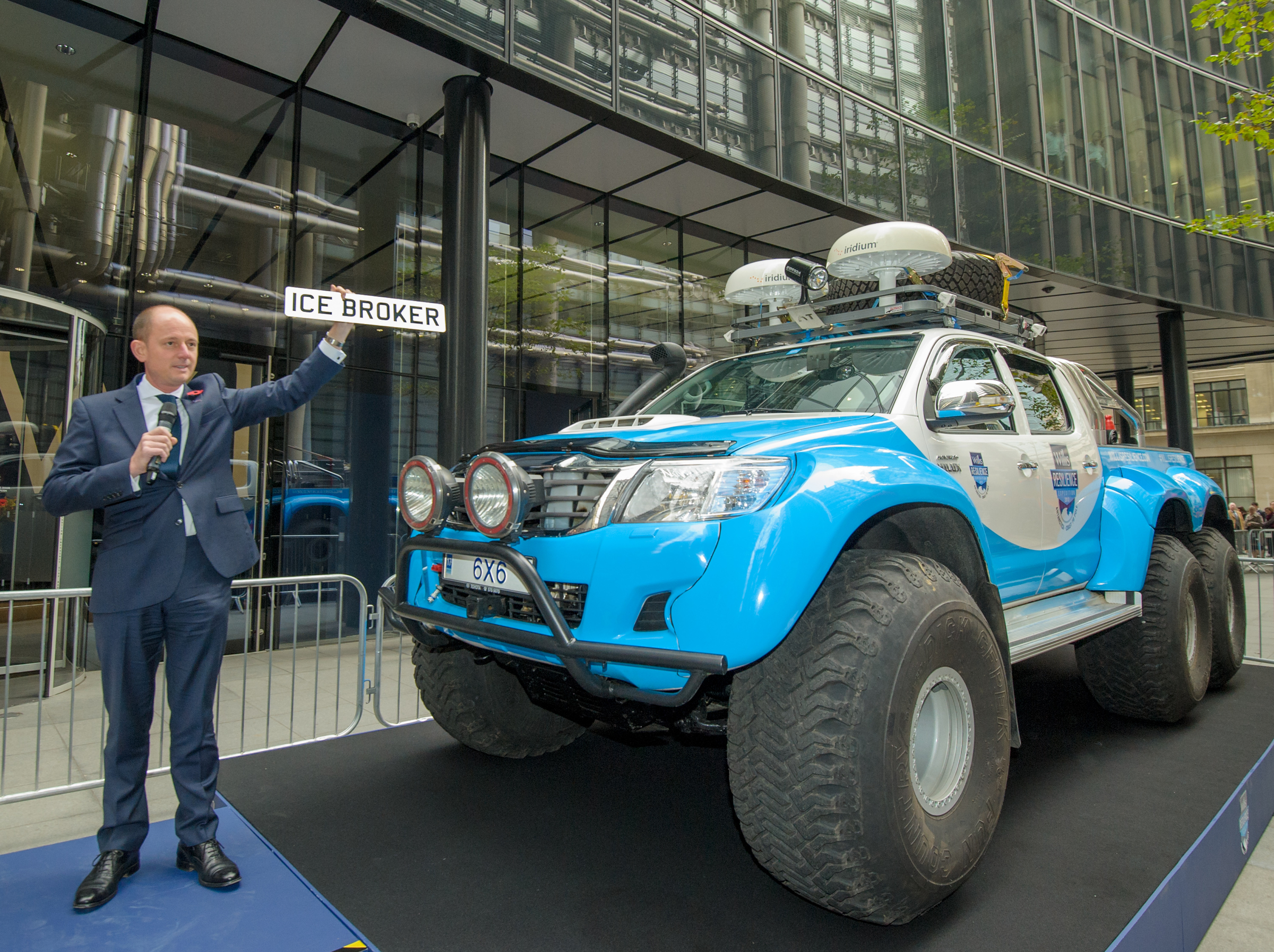 Willis Resilience Expedition Toyota Hilux 6x6 - adventure 52 magazine
