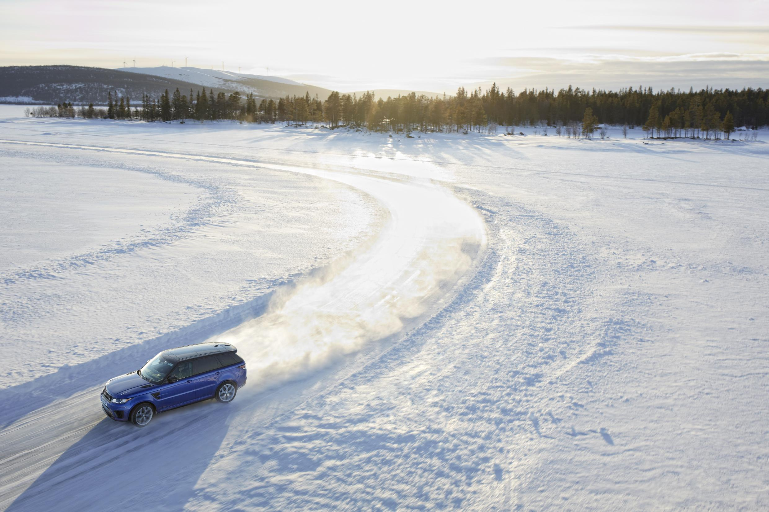 Ben Saunders drives on ice in a Range Rover Sport SVR