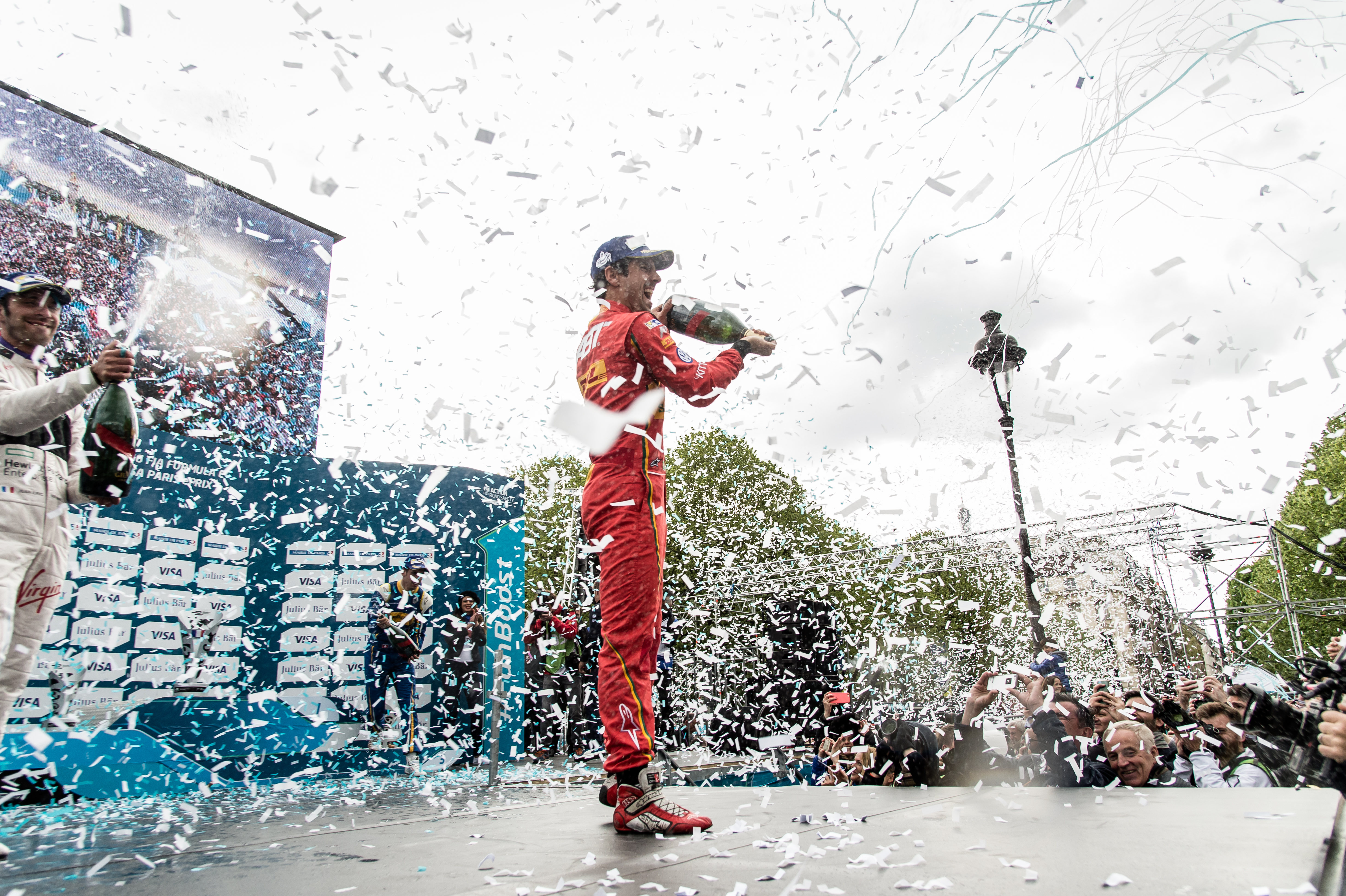 MUMM is the official champagne sponsor for Formula E