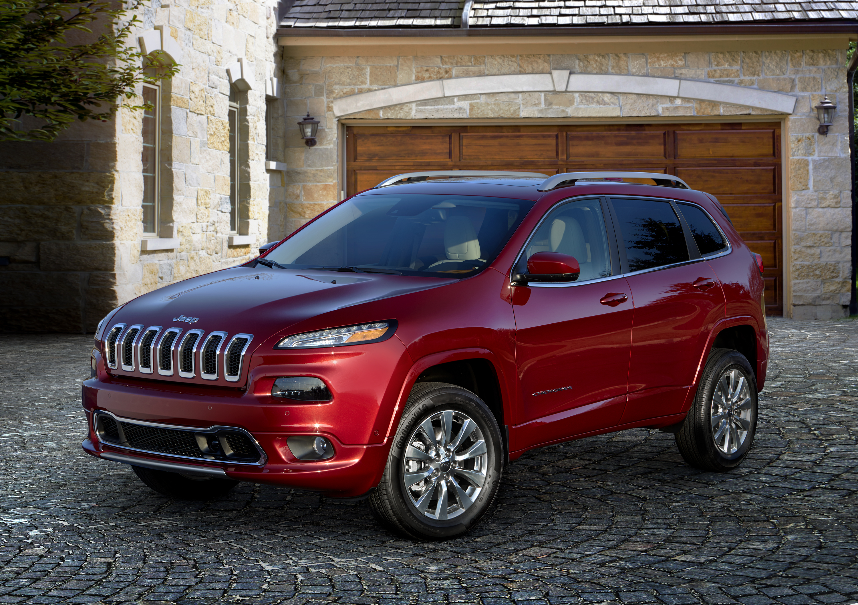 Jeep Cherokee 'Overland' version announced