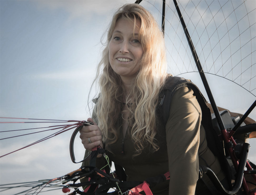 Sacha Dench will fly from Russia to the UK by paramotor