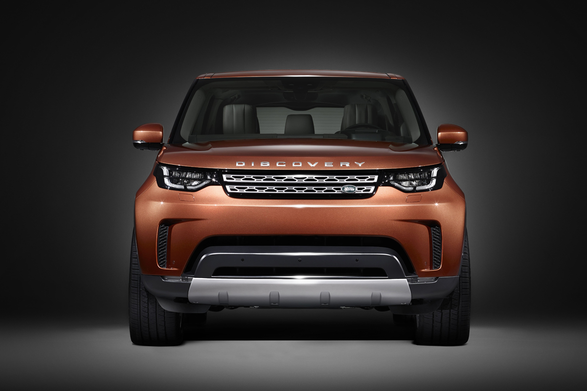 First picture of the new 2017 Land Rover Discovery