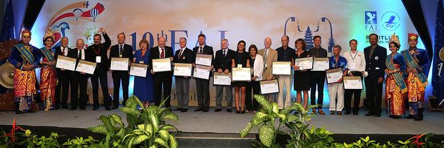 Pilots & adventurers presented with FAI awards