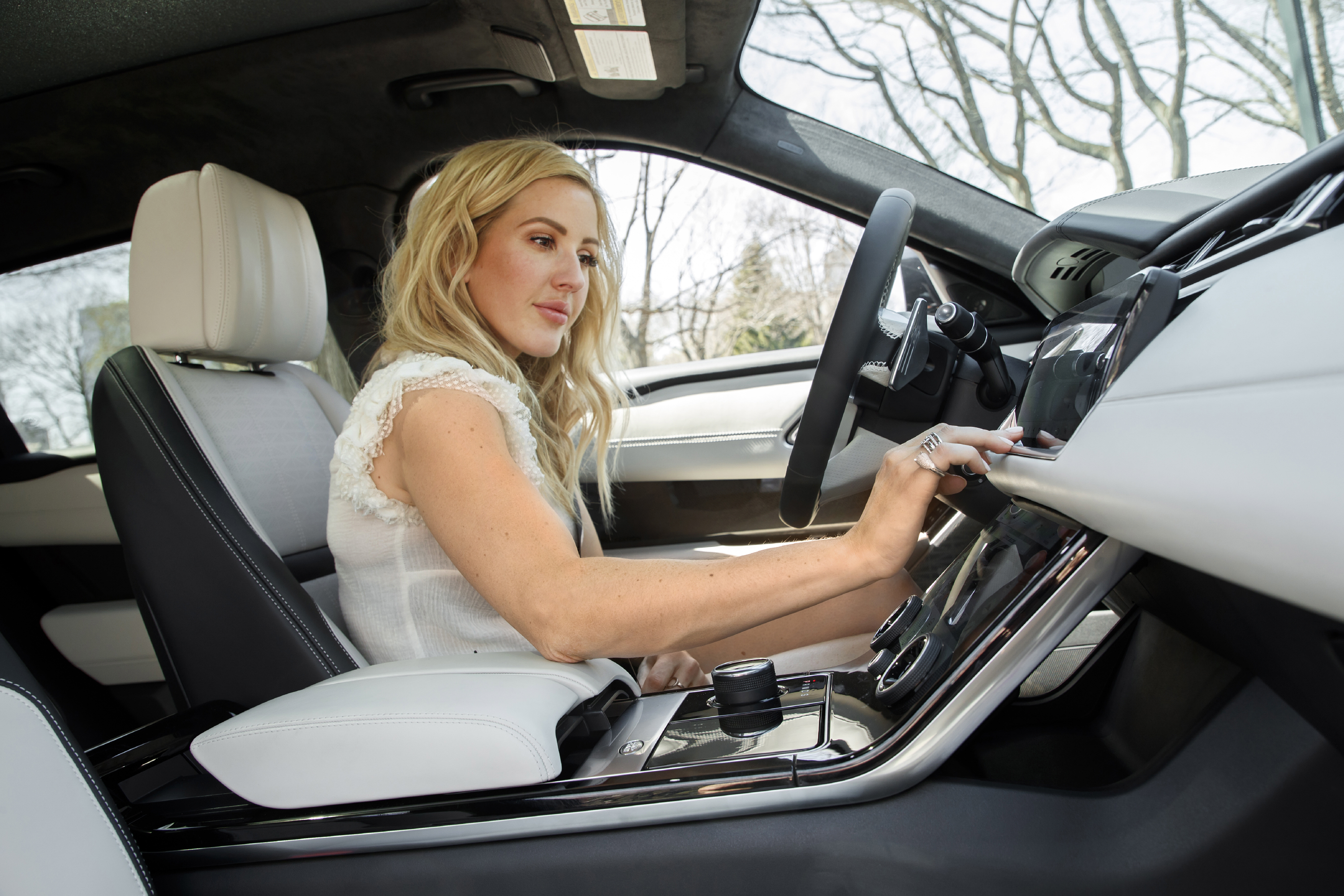Ellie Goulding takes the new Velar out for a springtime drive