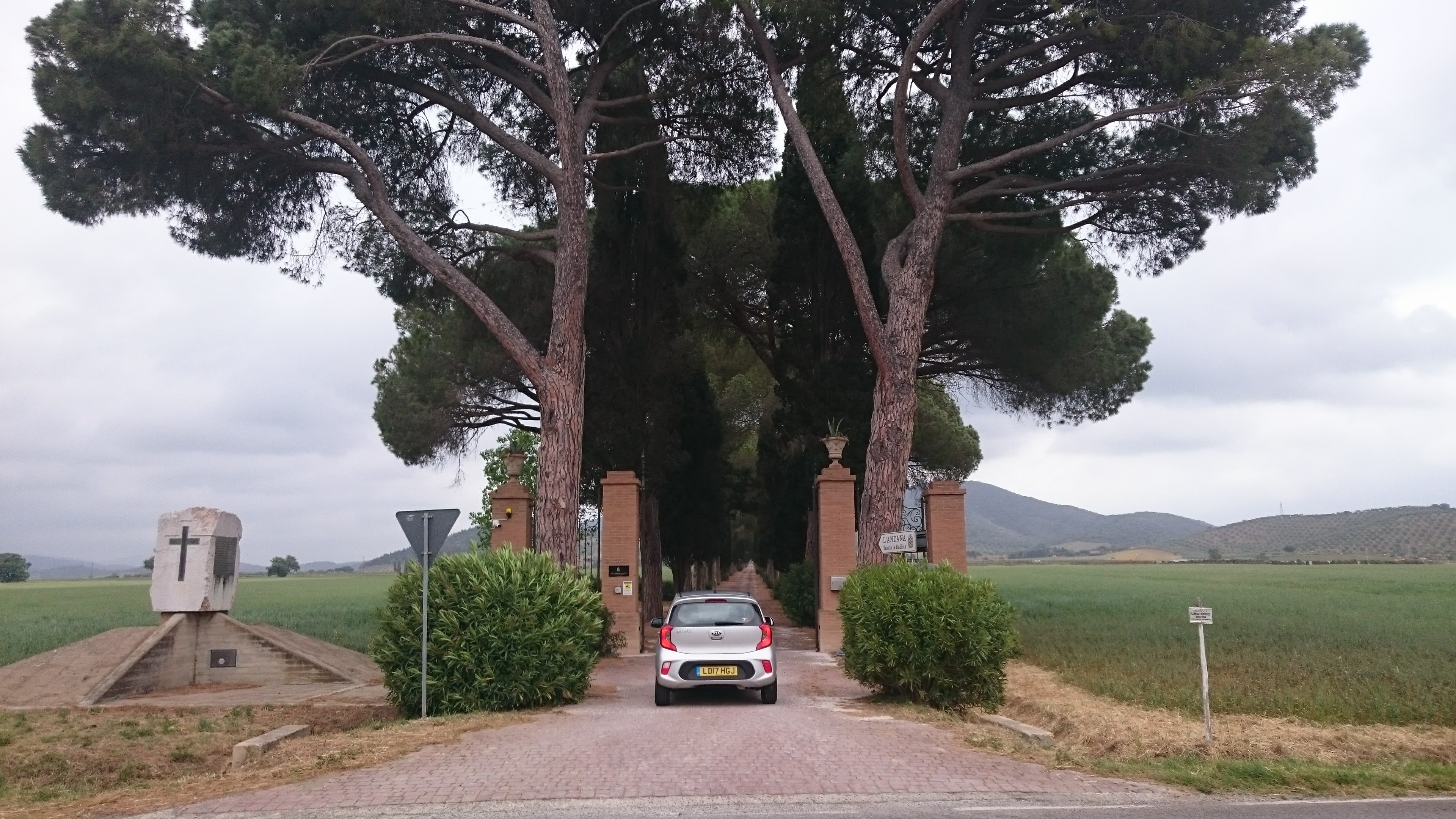 Driving the Kia Picanto in Tuscany