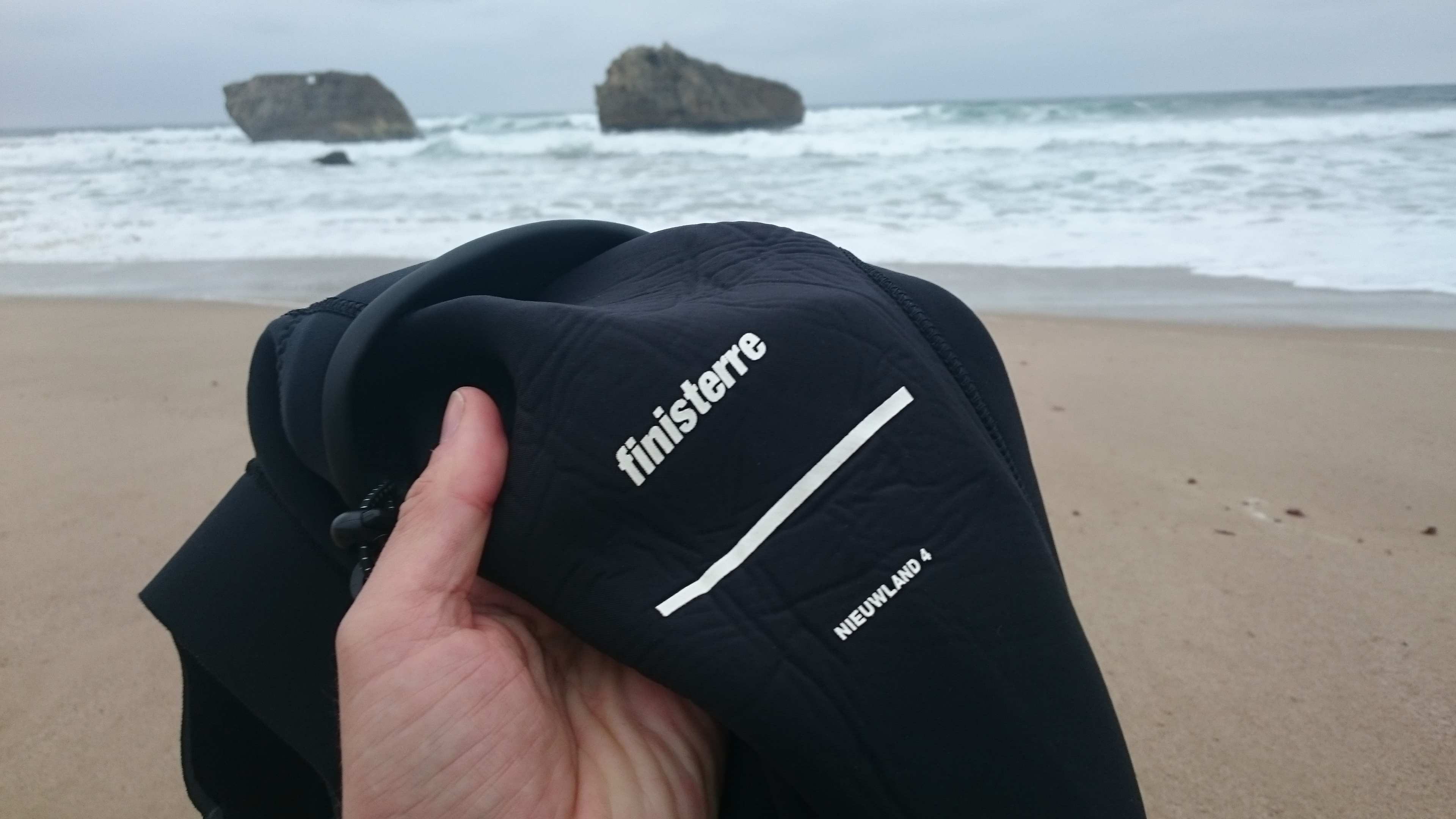 Finisterre nieuwland 4 wetsuit review