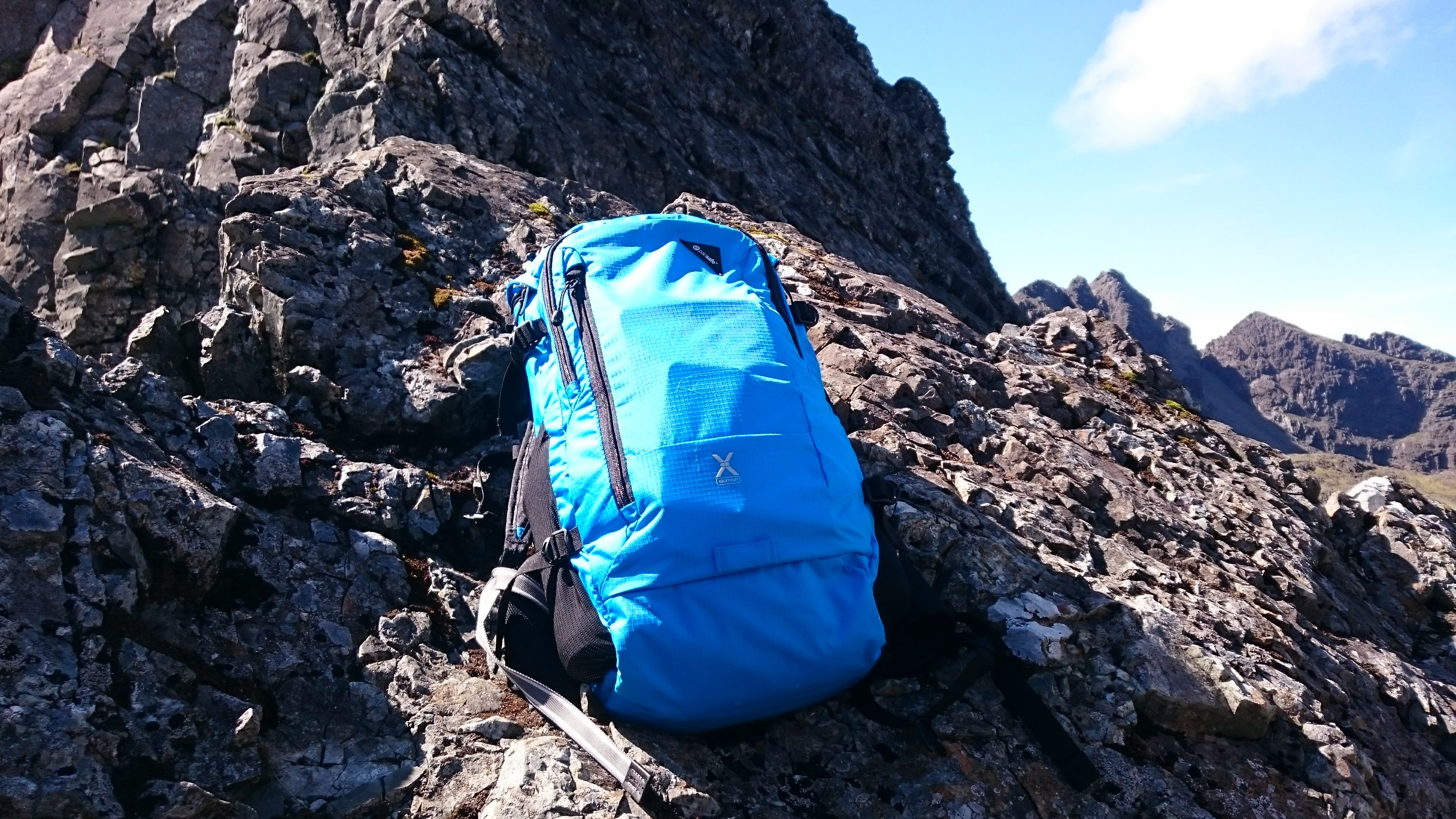 Hands on with the Venturesafe X30 backpack