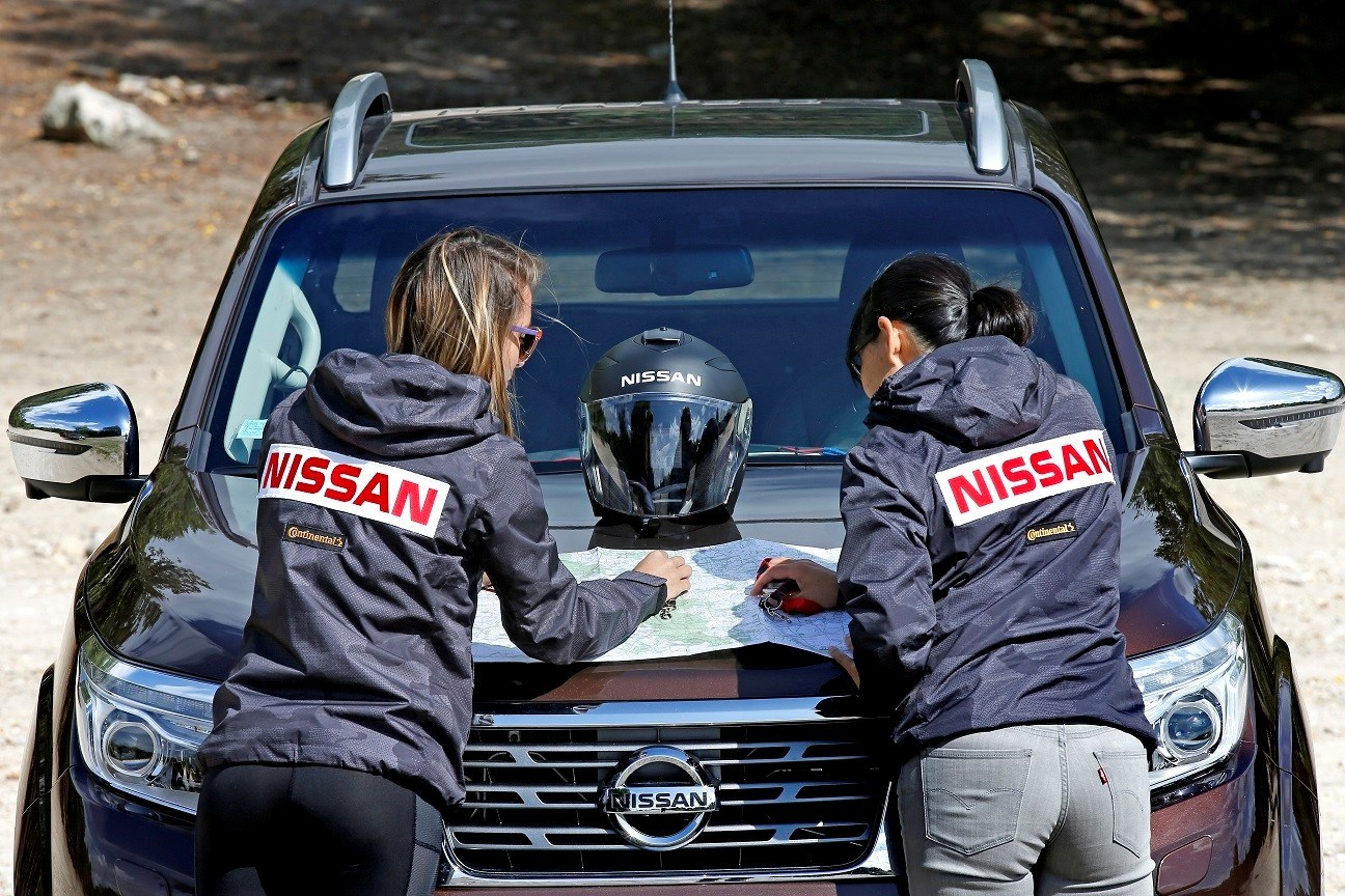 Nissan France girls racing a Navara in the Rebelle Rally