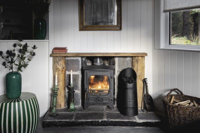 timber cottage eilean shona